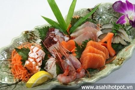 Sashimi tổng hợp.
