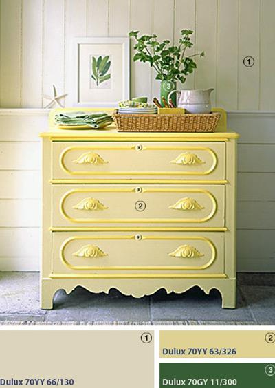 Với gam màu nắng, đồ nội thất cổ nhà bạn sẽ có không khí vui tươi.
