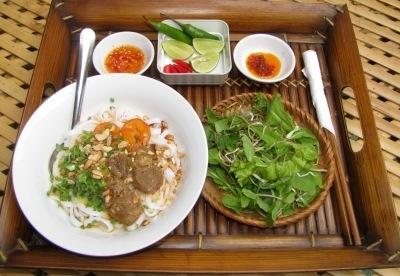 Mỳ Quảng.