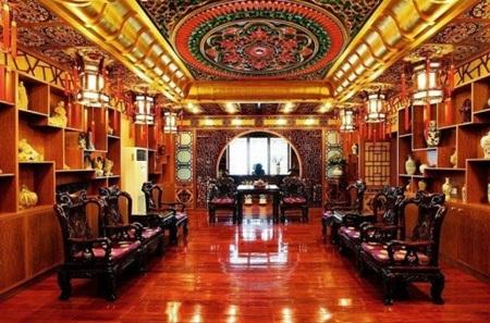 Một số phòng khác lại cho cảm giác đang ở trong một cung điện mang phong cách Pháp.
