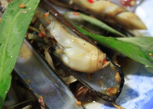 Thịt ốc móng tay giòn, ngọt cung cấp nhiều khoáng chất như can xi, sắt...nên rất bổ dưỡng. Ảnh: Khánh Hòa.