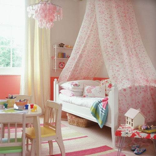 Classic-cream-and-pink-childs-bedroom-wi