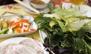 Về Đà Lạt ăn bánh tráng cuốn thịt heo
