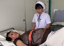 Những nữ hộ sinh hiến máu cứu sản phụ
