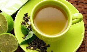 Chăm sóc sắc đẹp từ đầu tới chân với trà xanh
