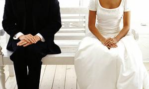 Sốc vì 'vết đen' của chồng sắp cưới