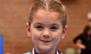 Bé 7 tuổi bị ung thư buồng trứng