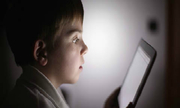 Làm thế nào kiểm soát con truy cập web đen