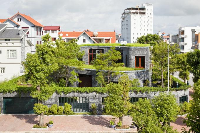 Ngôi nhà đá phủ mái cỏ giành giải Kiến trúc xanh Việt Nam