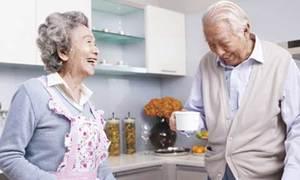 Người cao tuổi ăn ít nhưng vẫn cần đủ chất