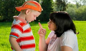 5 lời khuyên sai lầm cha mẹ thường dạy con