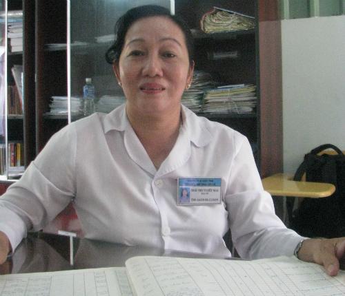 Bác sĩ Ngô Thị Tuyết Mai là người trực tiếp chữa trị cho nhiều trường hợp lấy chồng ngoại quốc bị trả về nước do tâm thần. Ảnh: Chí Nguyễn.