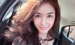 Vẻ đẹp của cô gái chuyển giới Lào