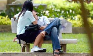 9 điều các cặp đôi không nên làm nơi công cộng
