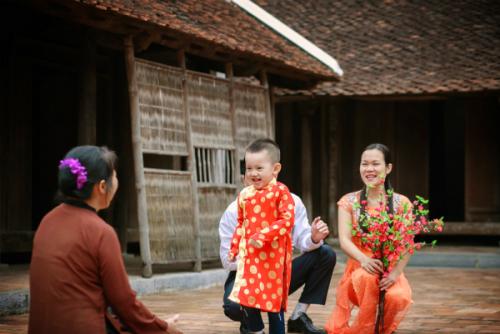 Tác phẩmTết nào vui bằng Tết đoàn viêncủa tác giả Nguyễn Mạnh Hùng.