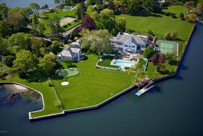Nhà cũ của tỷ phú Donald Trump rao bán 54 triệu USD