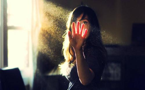 lonely-girls-3669-1429761932.jpg