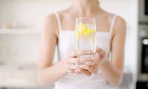 Dùng kết hợp vitamin C và thuốc tránh thai