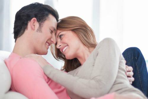 Young-couple-relaxing_1443776447.jpg