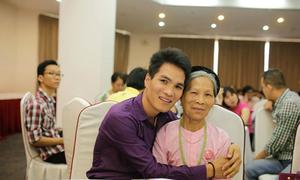 Bà mẹ 72 tuổi rời luỹ tre làng để tìm chân lý cho con đồng tính