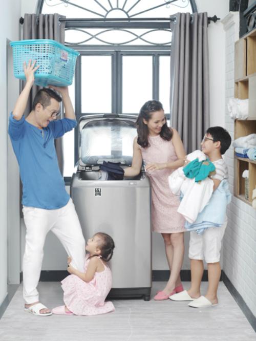 Nam ca sĩ luôn muốn các con tham gia vào những việc đơn giản trong gia đình.