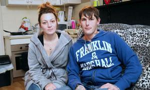 Cặp vợ chồng tiêu sạch tiền tỷ trúng số sau một năm vung tay mua sắm