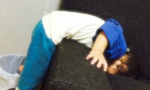 Các tư thế ngủ có một không hai của bé