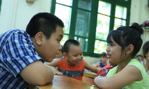Mẹ Đỗ Nhật Nam giúp con giỏi Tiếng Anh bằng cách nào