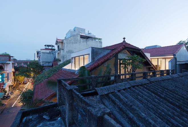 Nhà cổ Hà Nội tối tăm biến thành căn hộ sang trọng