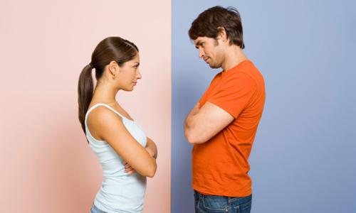 Vợ sắp cưới bắt tôi ký cam kết làm việc nhà, có nên vùng lên?