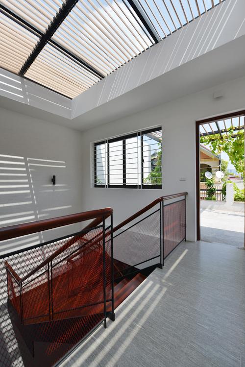 Gia chủ Hà Nội đập nhà còn đẹp để nơi ở thêm nắng gió