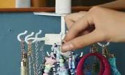 Khéo tay tự làm giá treo đồ trang sức