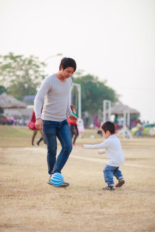 Vì thế, dù con trai còn nhỏ, nhưng tôi luôn hướng bé tham gia các hoạt động ngoài trời.