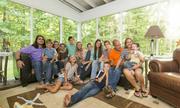 Cặp vợ chồng Mỹ nuôi 13 con ăn học vẫn rủng rỉnh tiền tiết kiệm