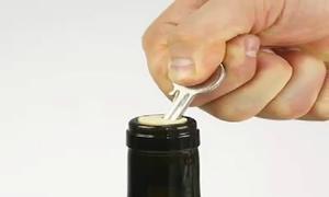 Mở nắp chai mà không cần dụng cụ chuyên biệt