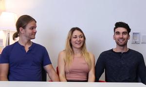 Cô gái hạnh phúc khi hẹn hò cùng lúc với hai chàng trai