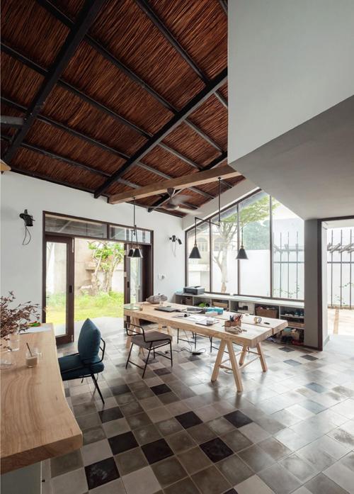 Không gian bất ngờ trong ngôi nhà mái lá giữa thành phố Biên Hòa