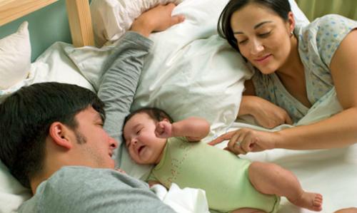 Đúc kết trào phúng của các đôi về 'chuyện ấy' sau khi có con