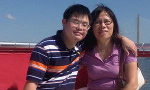 Tình yêu của mẹ Việt thay đổi số phận con trai bị down