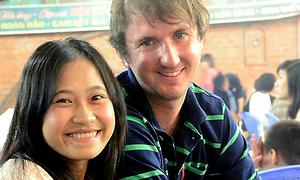 Chàng trai Anh quyết tâm lập nghiệp ở Việt Nam để được ở bên cô gái đất võ