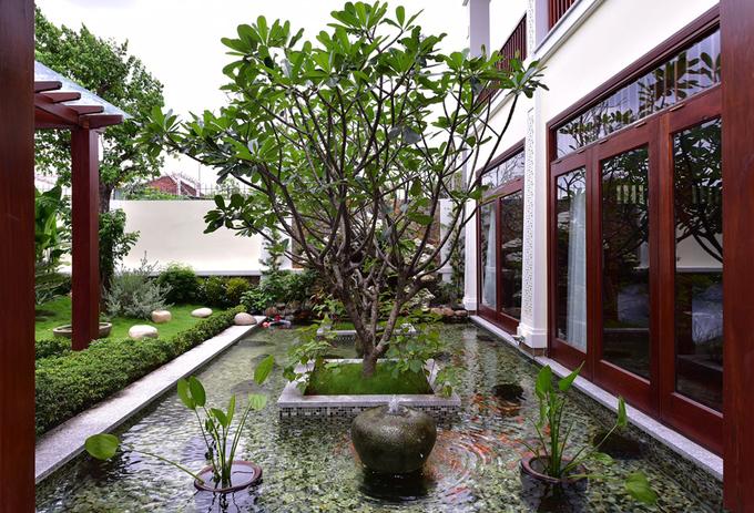 Gia chủ Bình Dương thích ở ngoài sân vườn hơn trong nhà