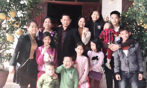 Cuộc sống rộn tiếng cười trong gia đình Nghệ An có 15 con