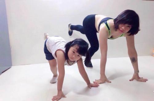 yoga-mon-qua-suc-khoe-cho-gia-dinh