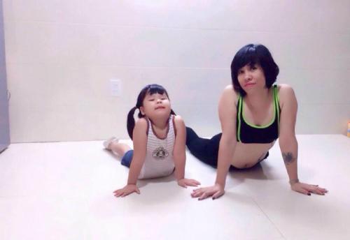yoga-mon-qua-suc-khoe-cho-gia-dinh-1
