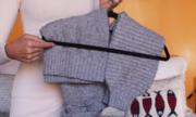 Cách treo áo len để không bao giờ bị giãn