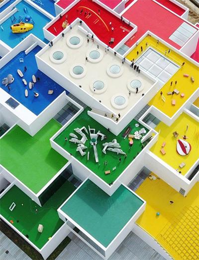 Trung tâm trưng bày và trải nghiệm của hãng Lego ở Billund (Đan Mạch) do BIG thiết kế.