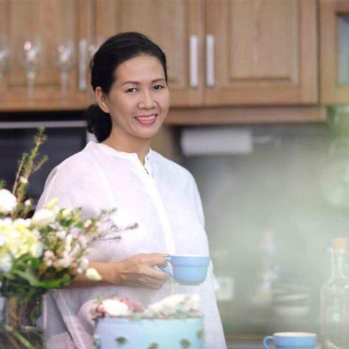 Dù công việc bận rộn, chị Thủy vẫn tự tay nấu ăn cho cả nhà vì đam mê nấu ăn và muốn được chăm sóc người thân.