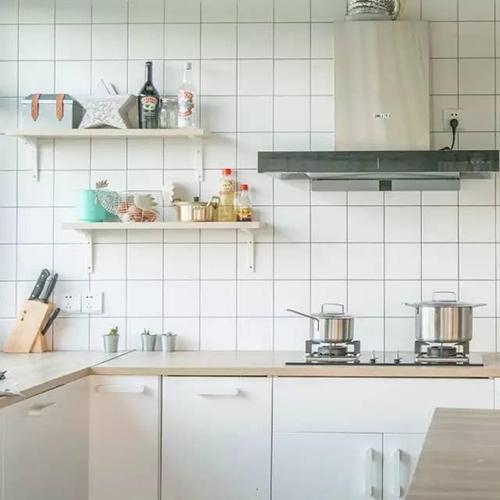 Khu bếp là nơi đầu tư nhiều trang thiết bị hiện đại nhất trong nhà.