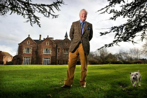 Triệu phú Benjamin Slade muốn tuyển được người vợ trẻ trung để sinh được những cậu con trai và giúp ông quản lý các lâu đài. Ảnh: Times Newspaper.