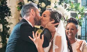 Hôn nhân sắp đặt của triệu phú Anh trục trặc trong kỳ trăng mật